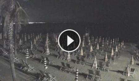 Webcam Albenga, Spiaggia - Skyline Webcams