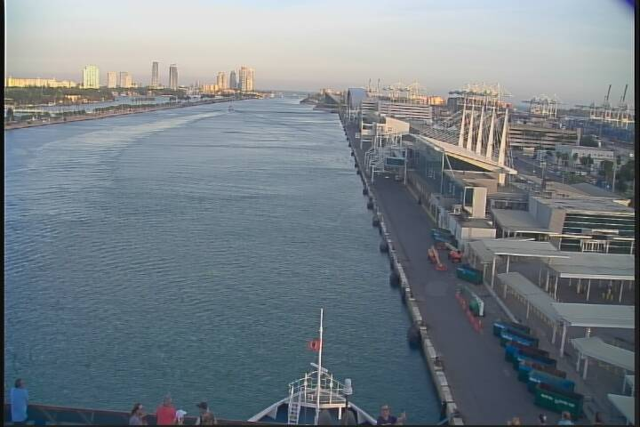 Webcam Carnival Miracle View From The Bridge