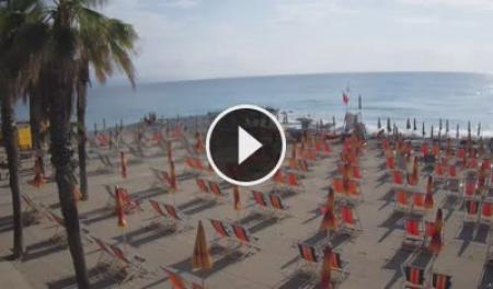 Webcam Albenga, Spiaggia - Skyline Webcams
