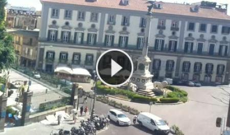 Webcam Napoli, Piazza dei Martiri - Skyline Webcams