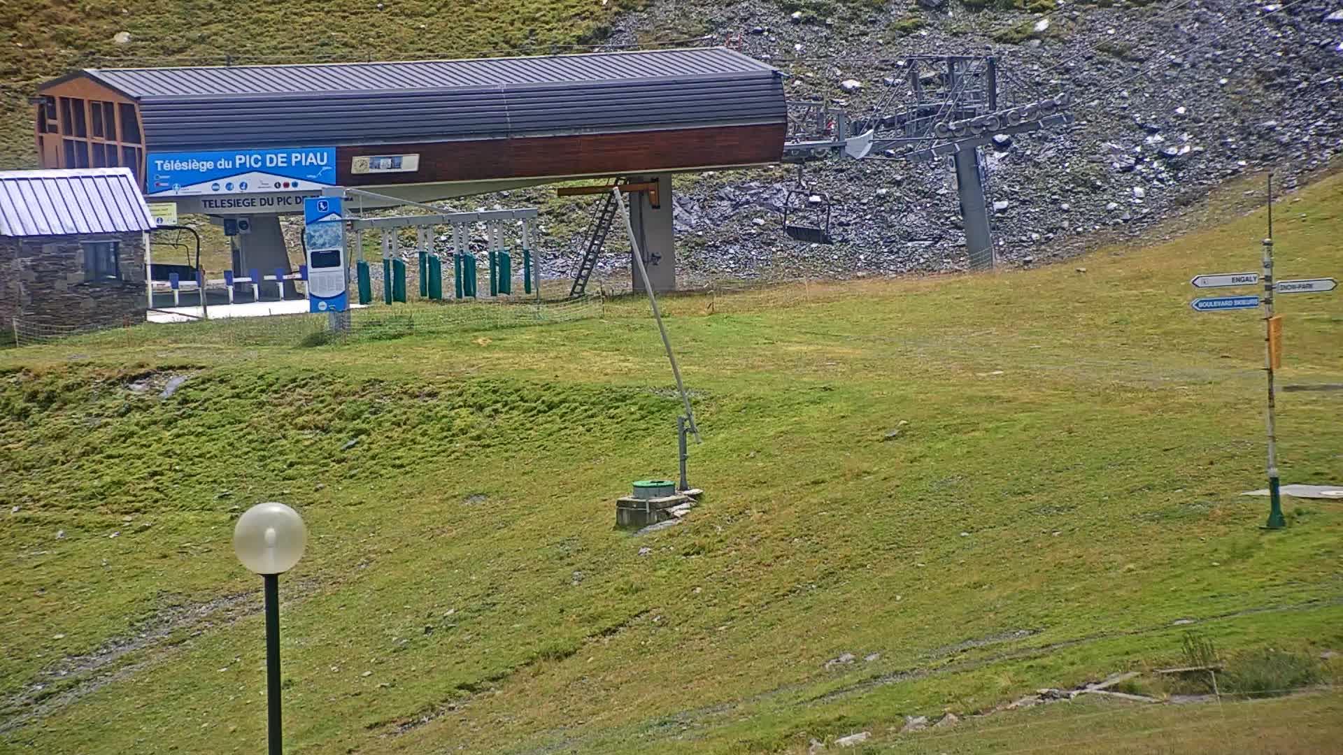 Paiu Engaly webcam - bttom ski station Pic de Piau