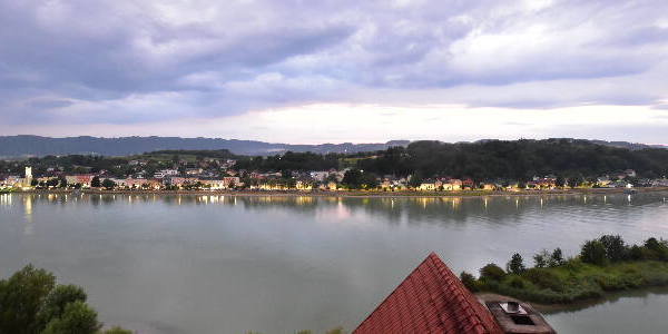Aschach an der Donau Tue. 21:35