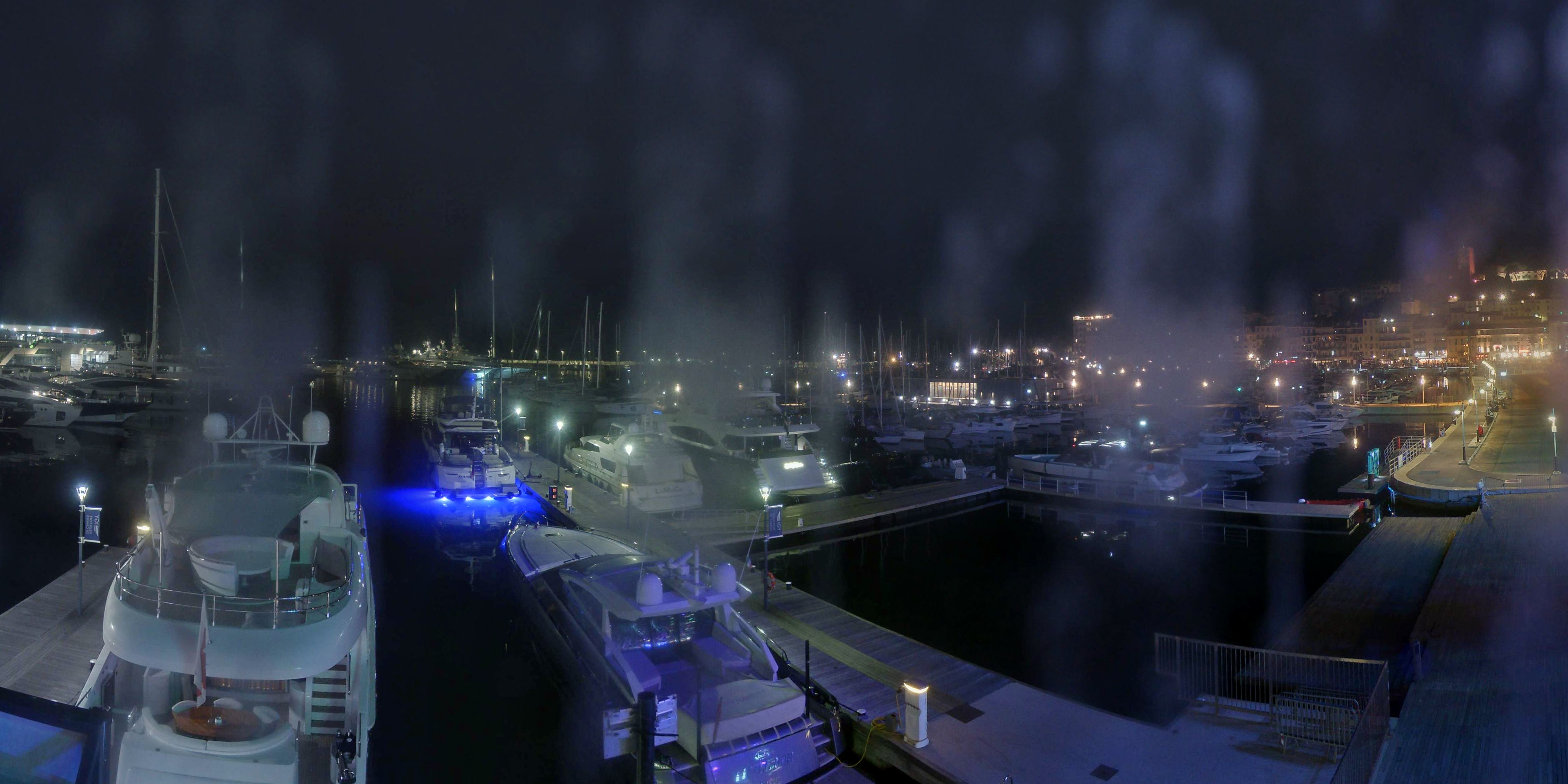 Cannes Thu. 01:35
