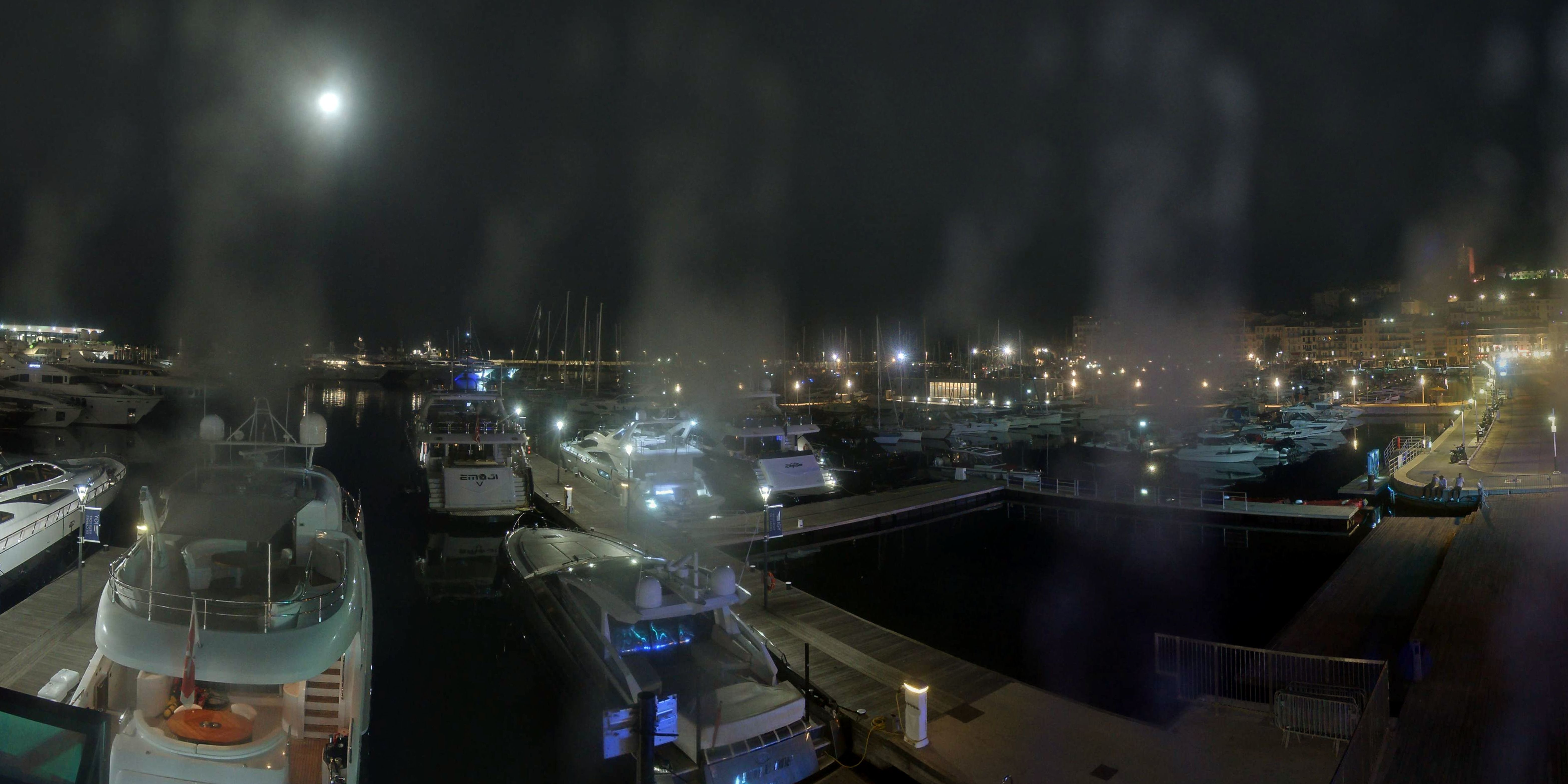 Cannes Thu. 02:35