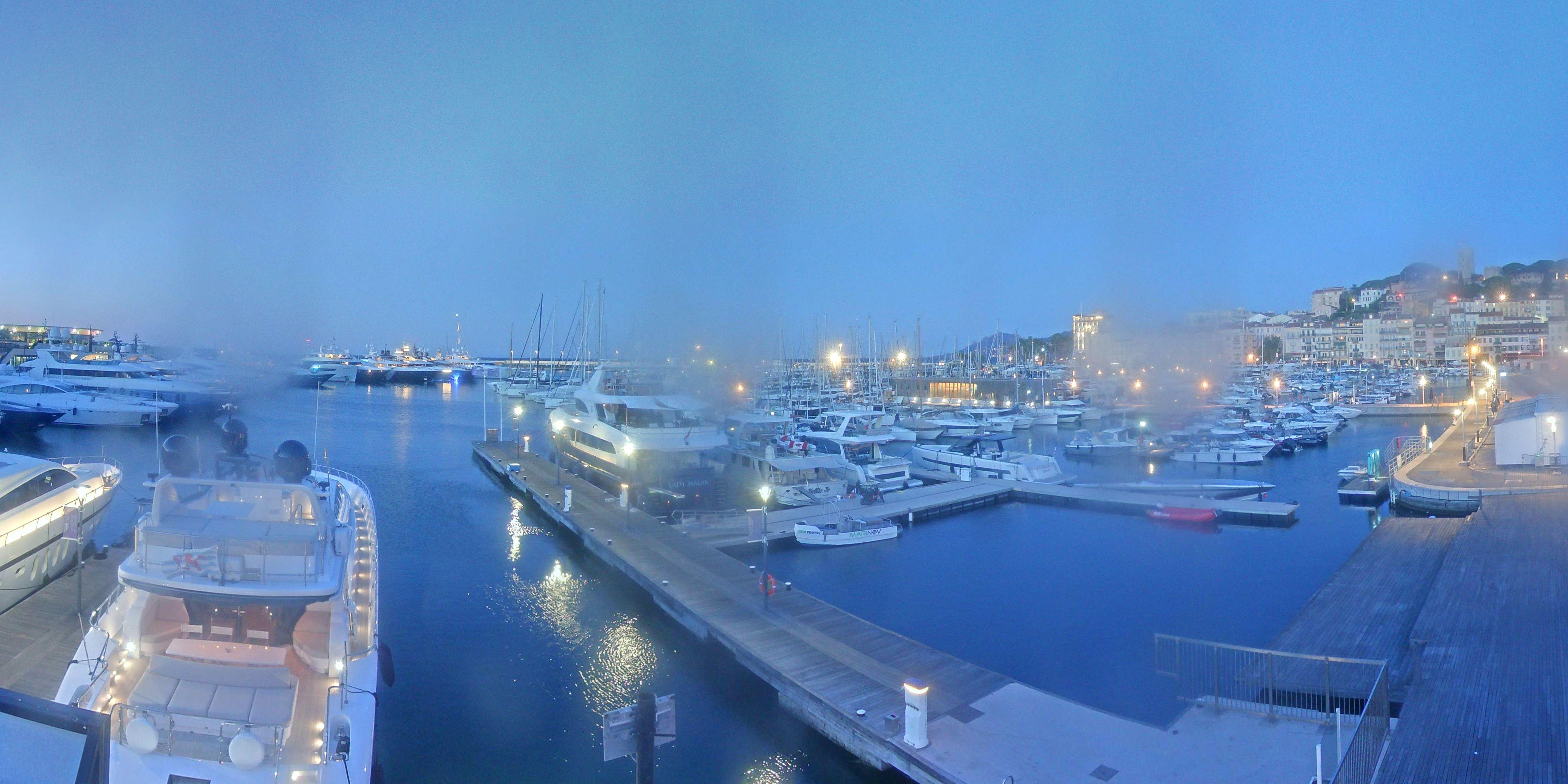 Cannes Di. 07:36