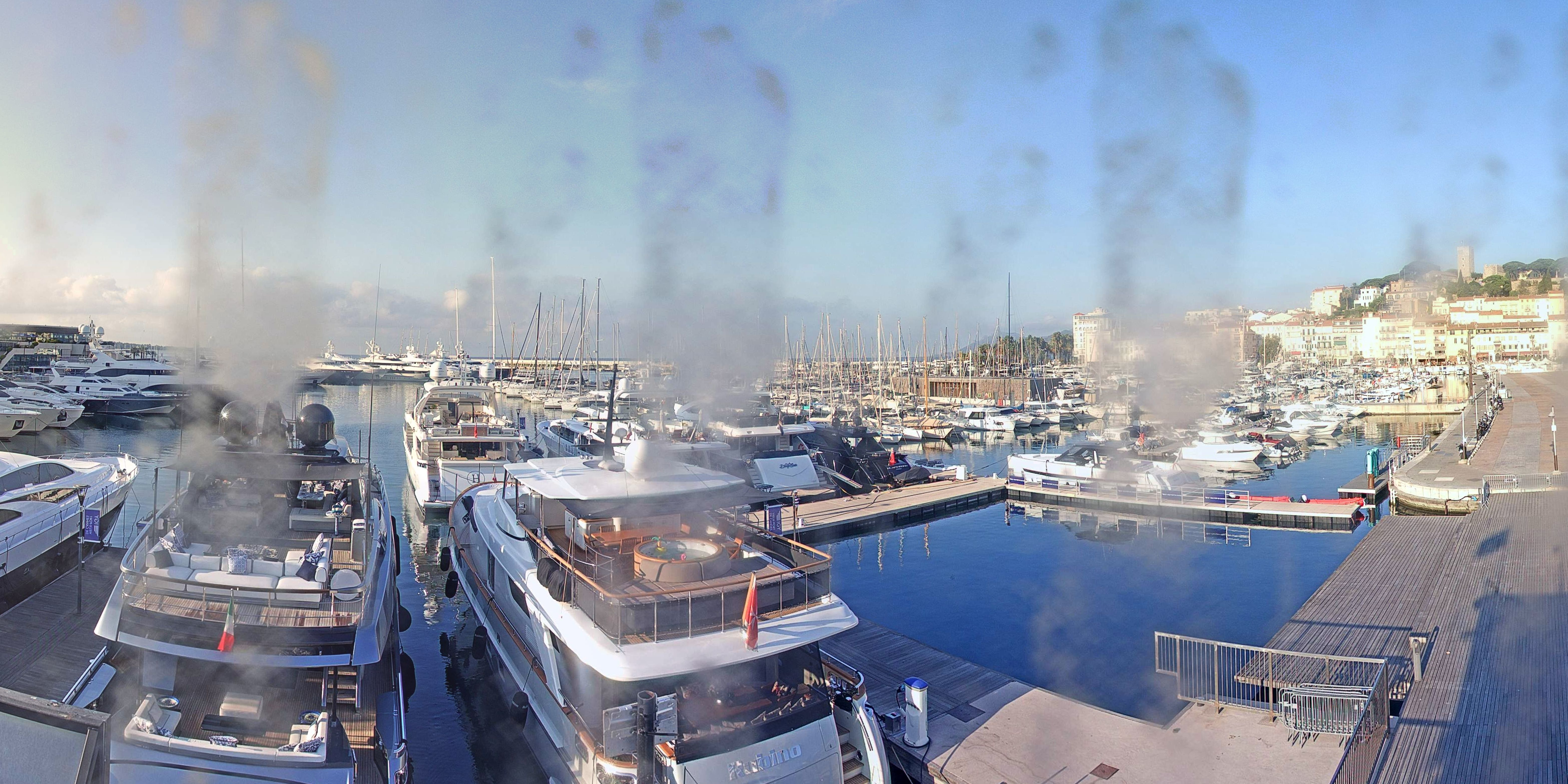 Cannes Tue. 09:37