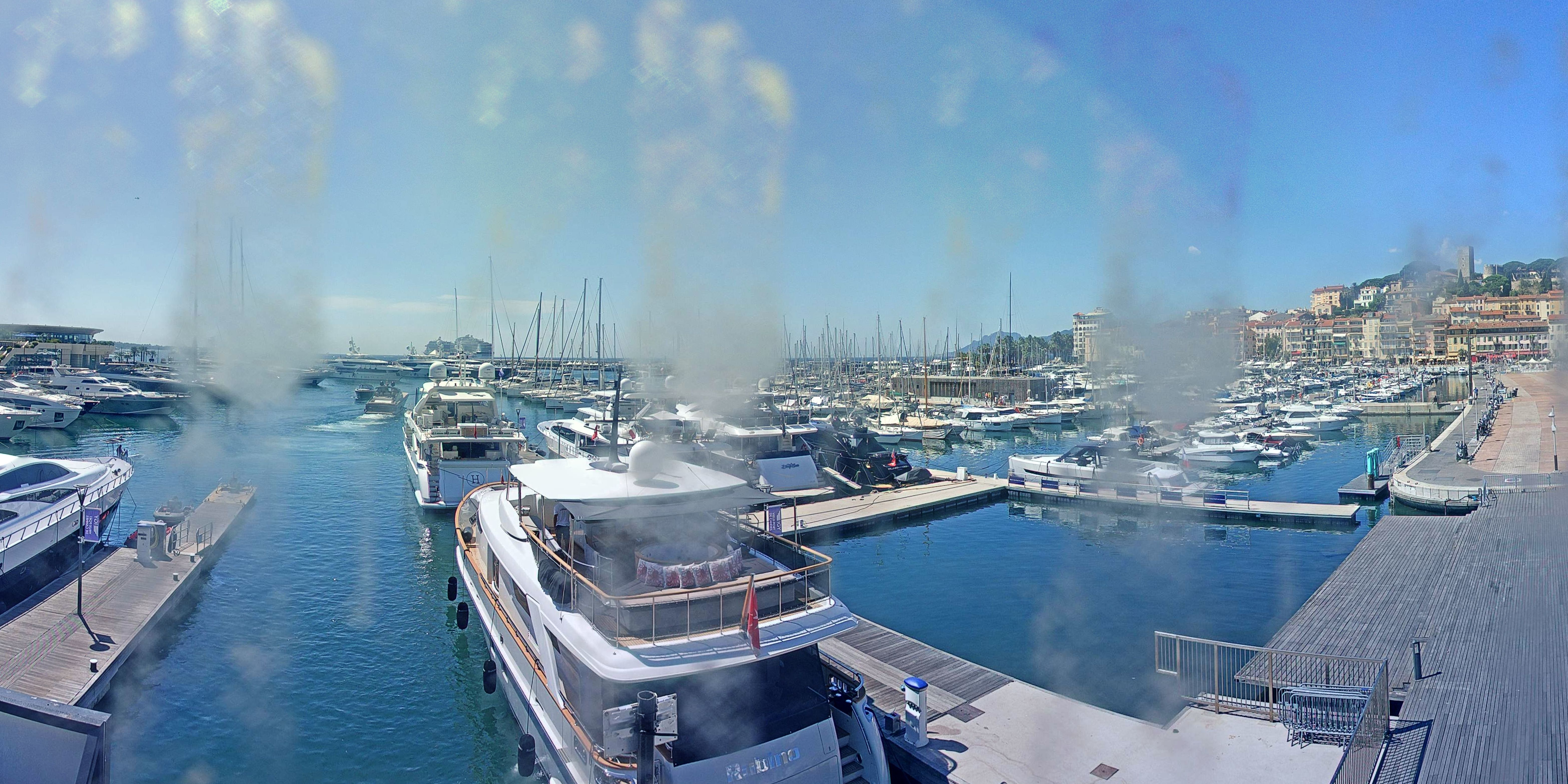 Cannes Tue. 13:37