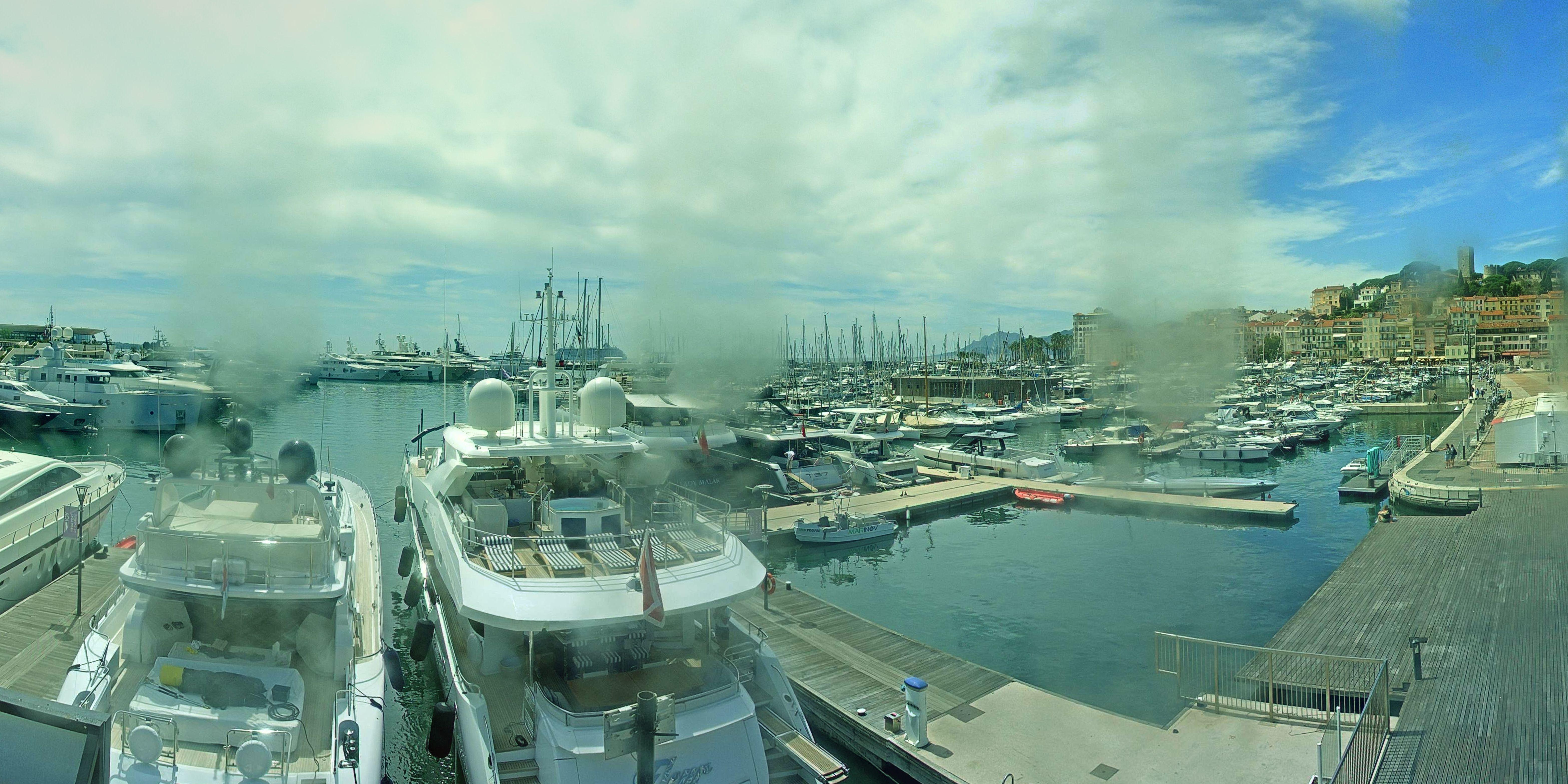 Cannes Mon. 14:37