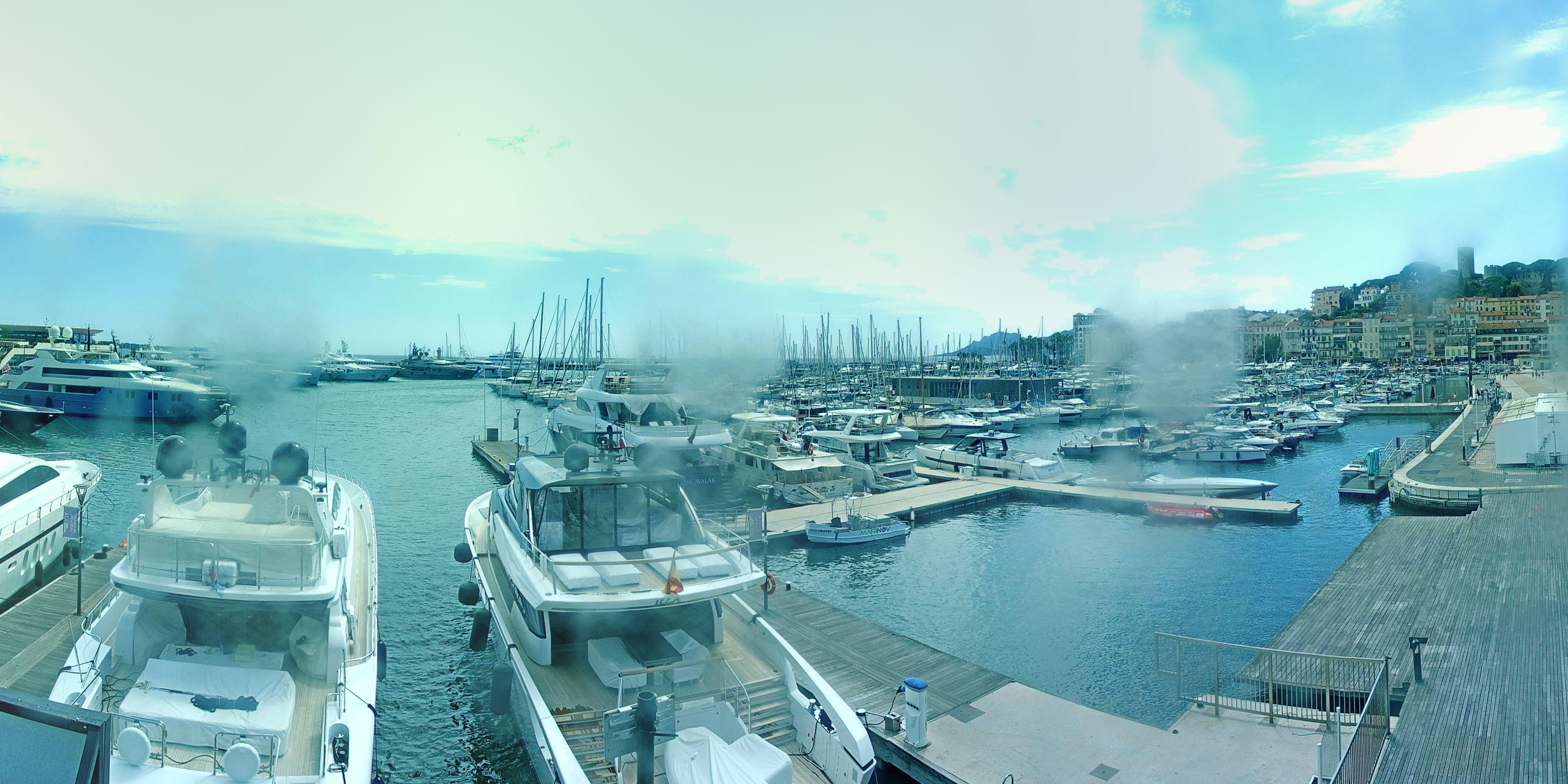 Cannes Mon. 16:37
