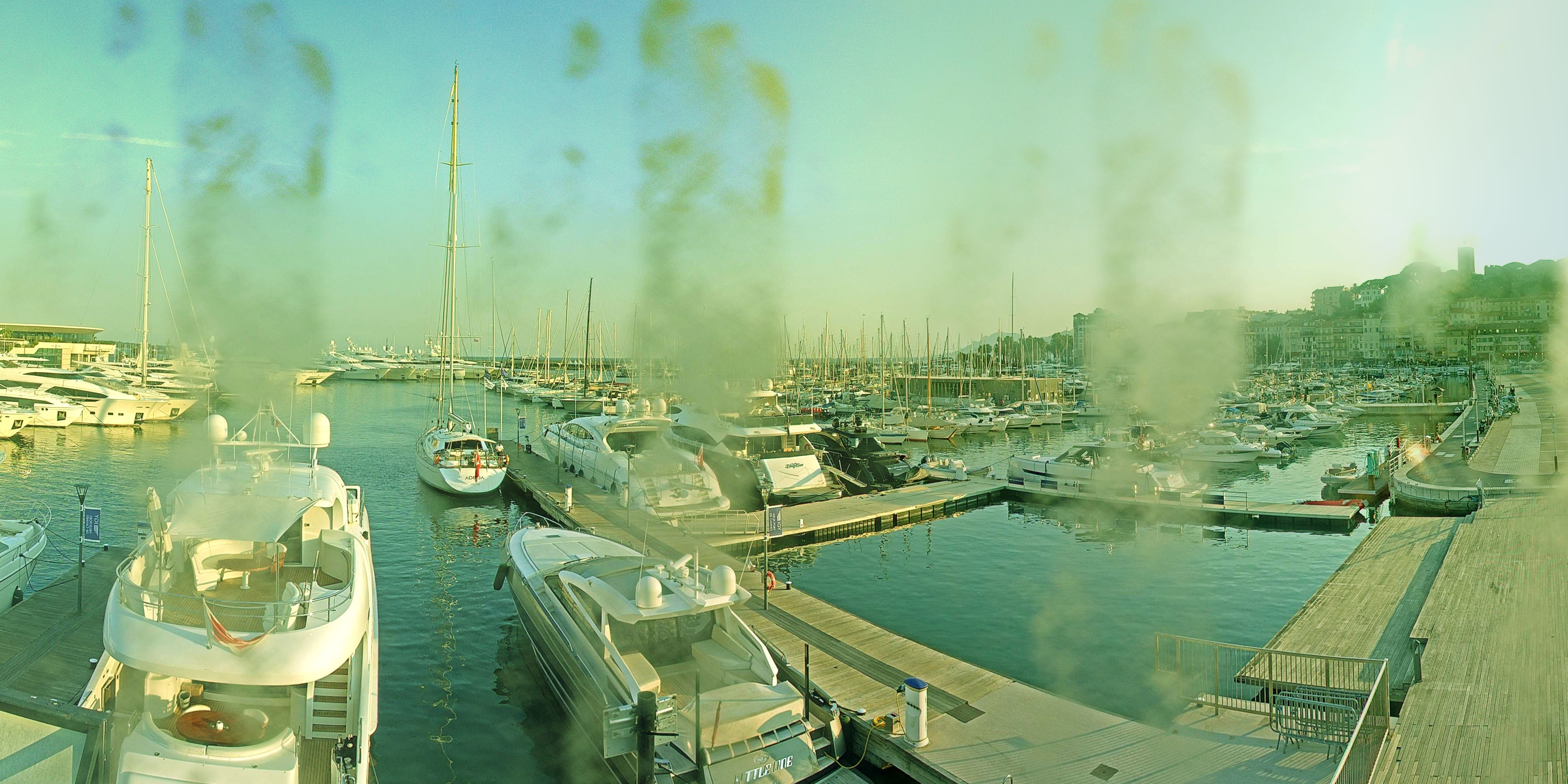 Cannes Wed. 21:35