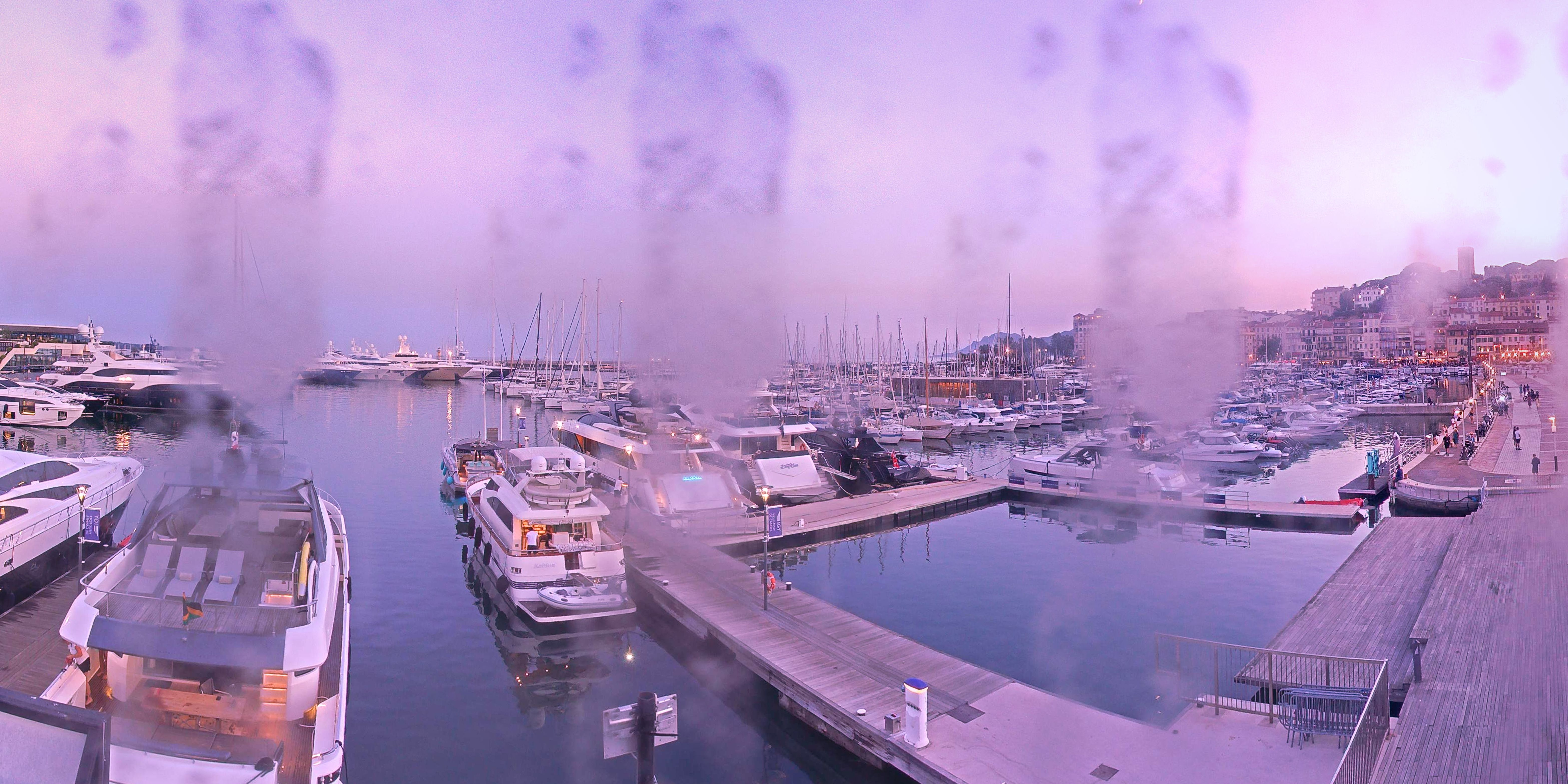 Cannes Wed. 22:35