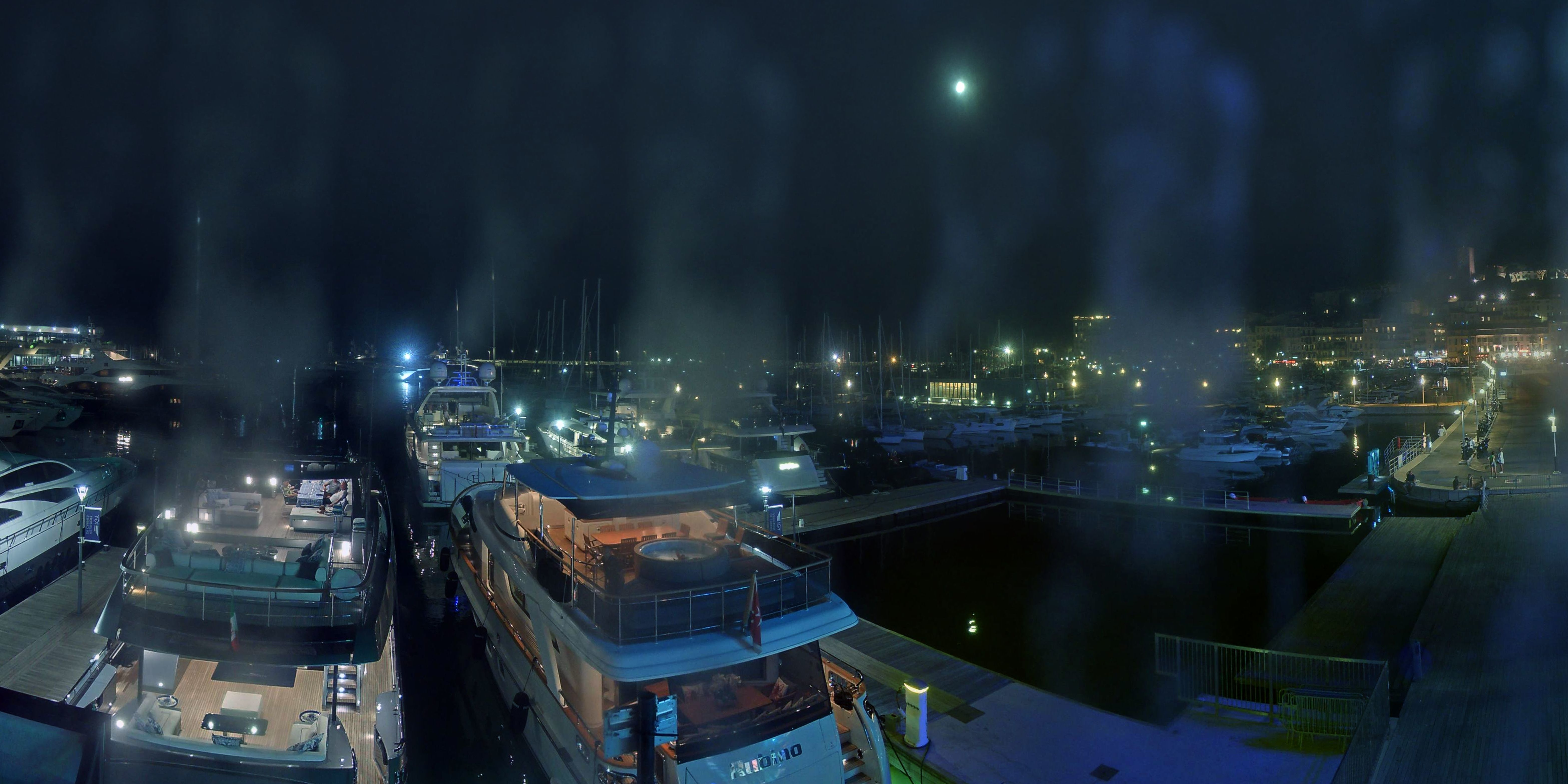Cannes Wed. 23:35