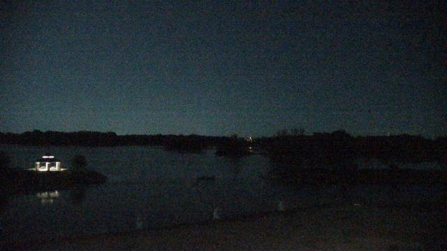 Crystal Lake, Illinois Mon. 02:10