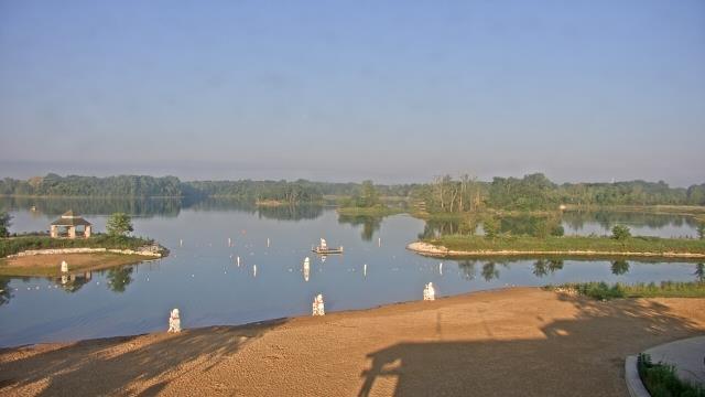 Crystal Lake, Illinois Mon. 07:10