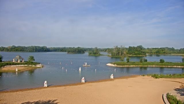 Crystal Lake, Illinois Mon. 08:10
