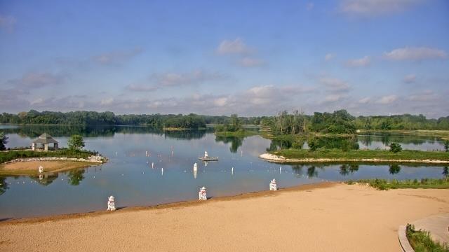Crystal Lake, Illinois Mon. 09:10