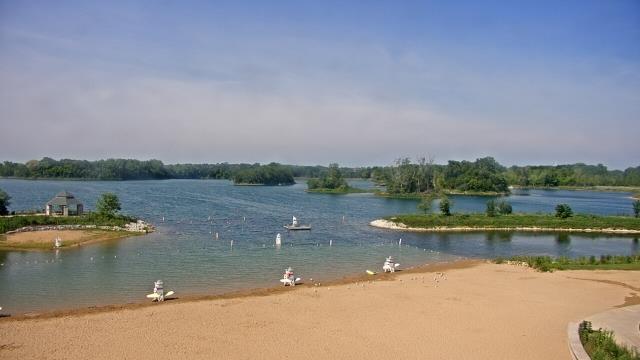Crystal Lake, Illinois Mon. 10:10