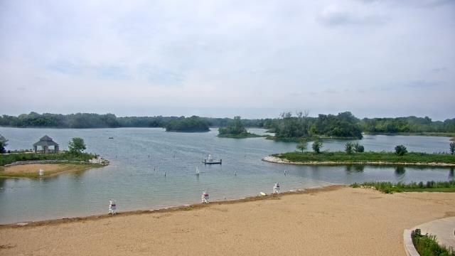 Crystal Lake, Illinois Mon. 12:10