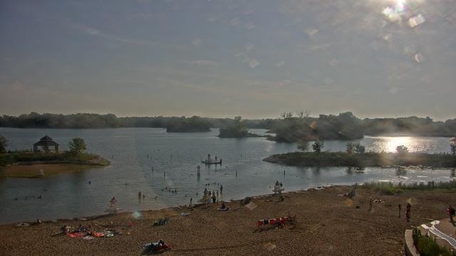 Crystal Lake, Illinois Sun. 18:10