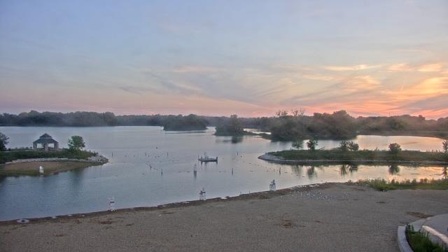 Crystal Lake, Illinois Sun. 20:10