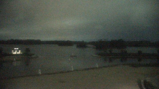 Crystal Lake, Illinois Sun. 21:10