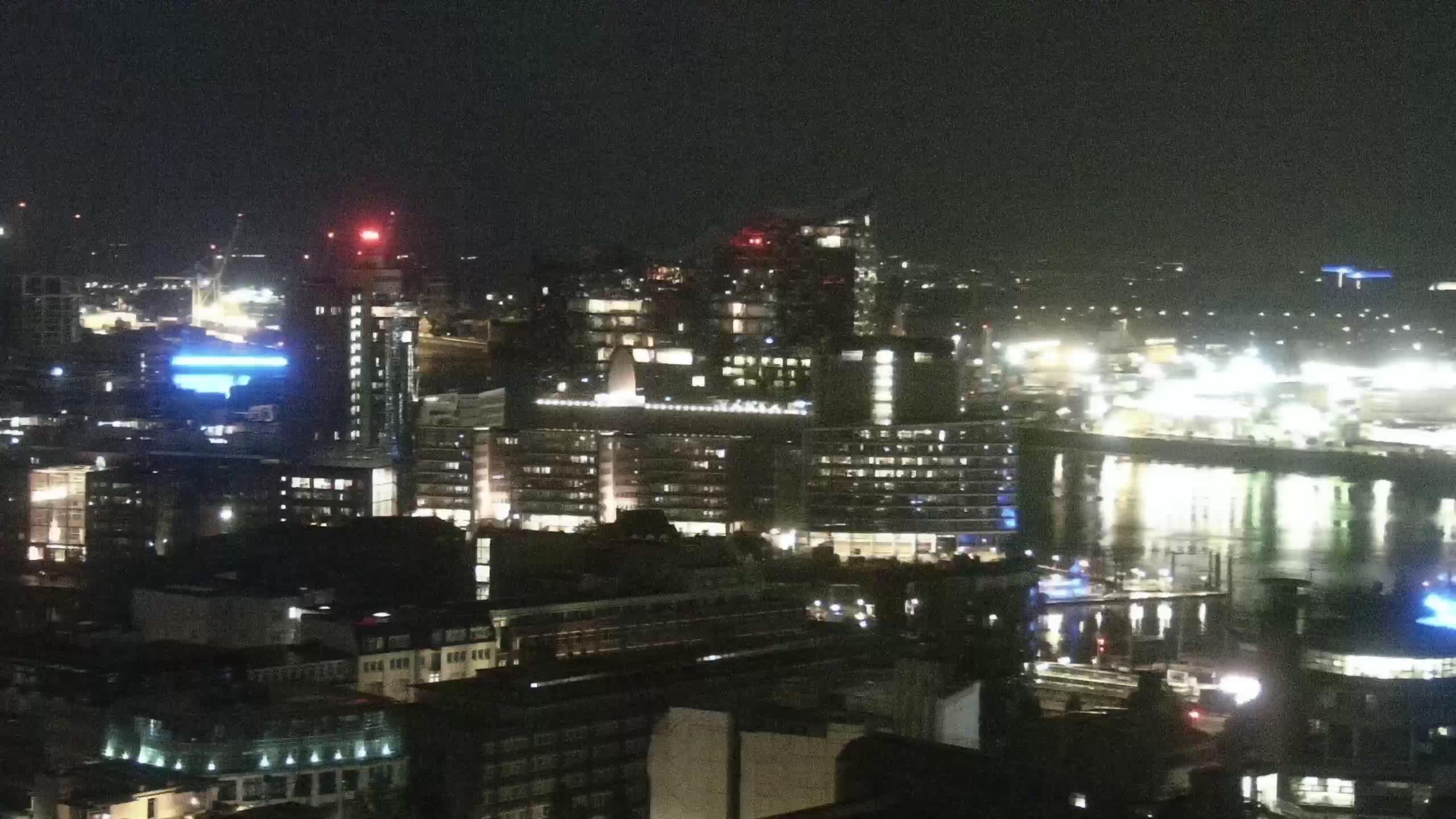 Hamburg Tue. 02:15