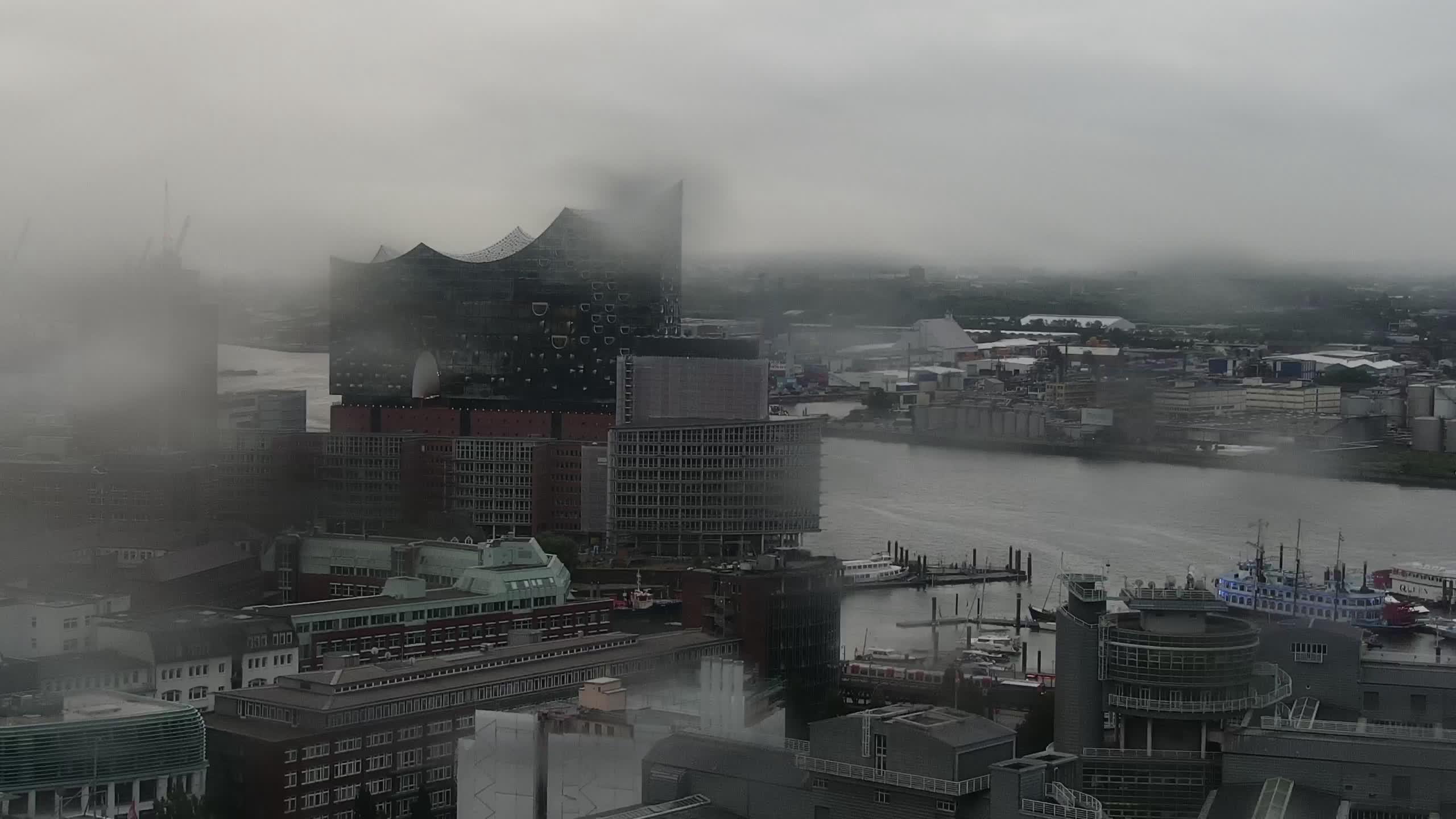 Hamburg Mon. 06:15