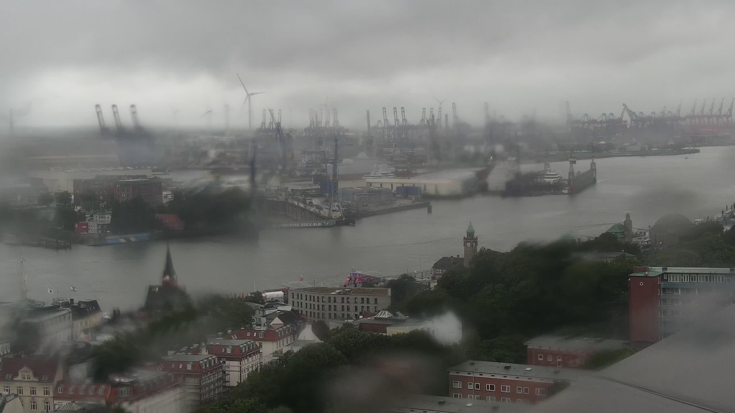 Hamburg Mon. 07:15