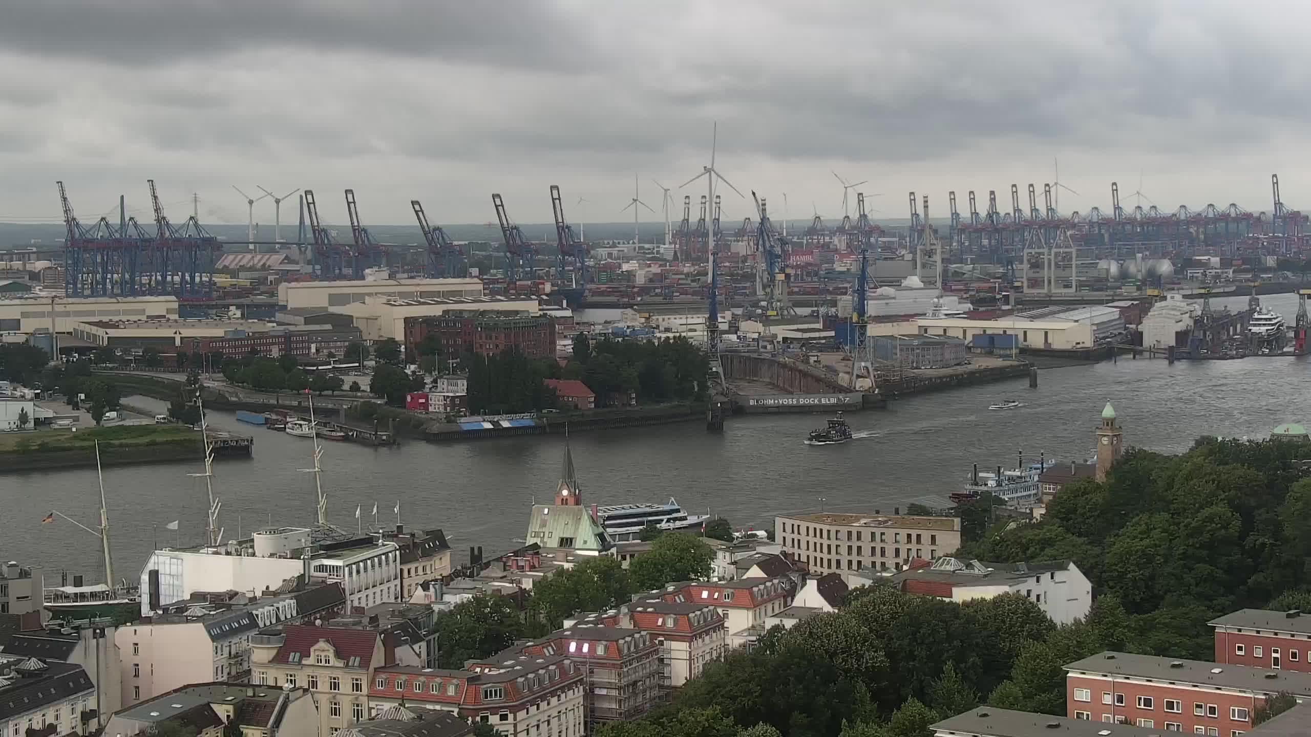 Hamburg Mon. 10:15