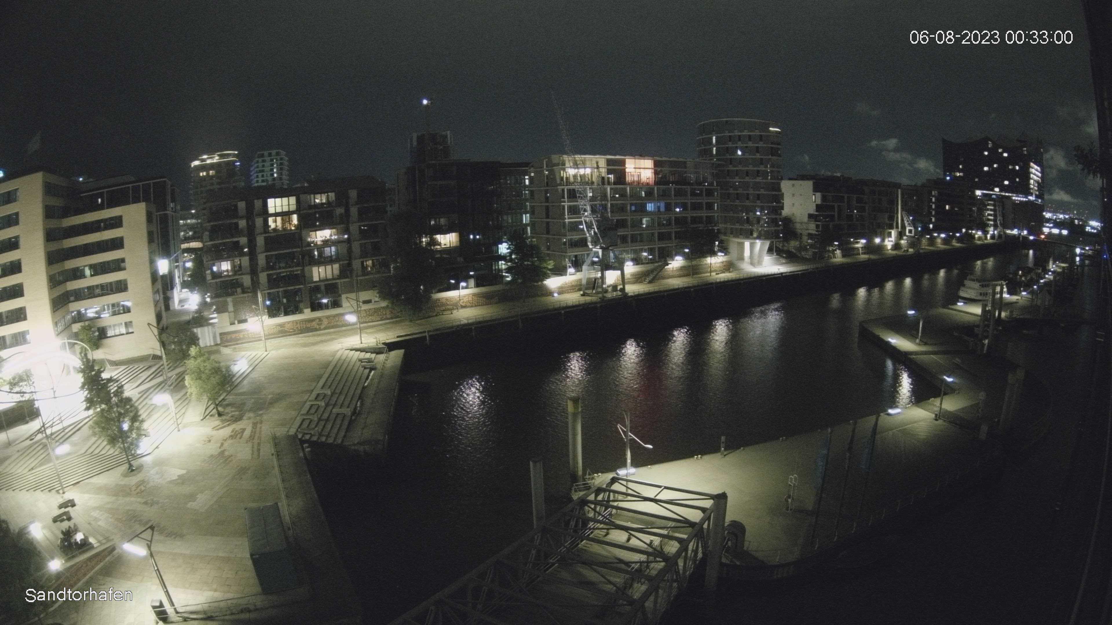 Hamburg Thu. 00:35