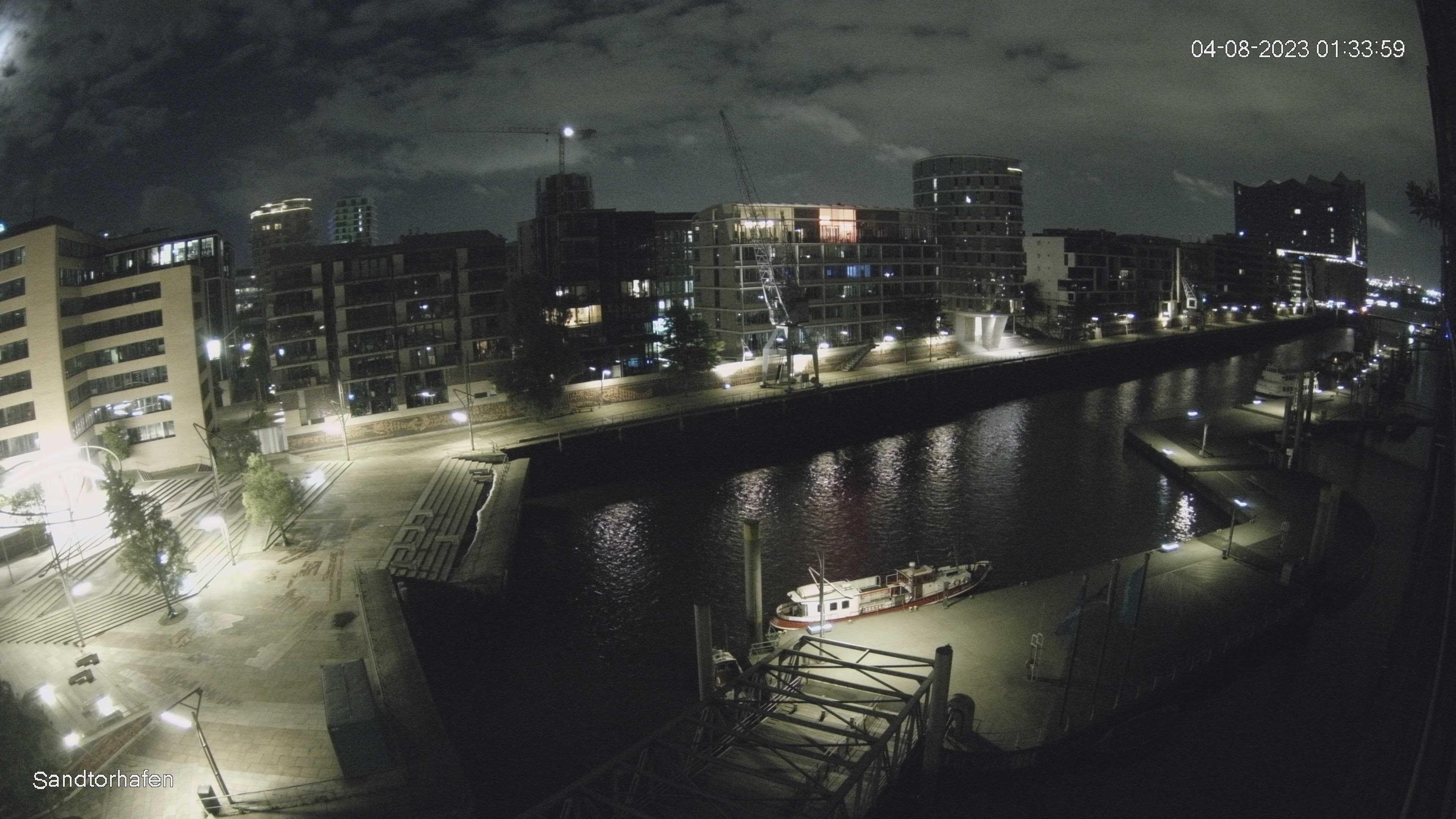 Hamburg Thu. 01:35
