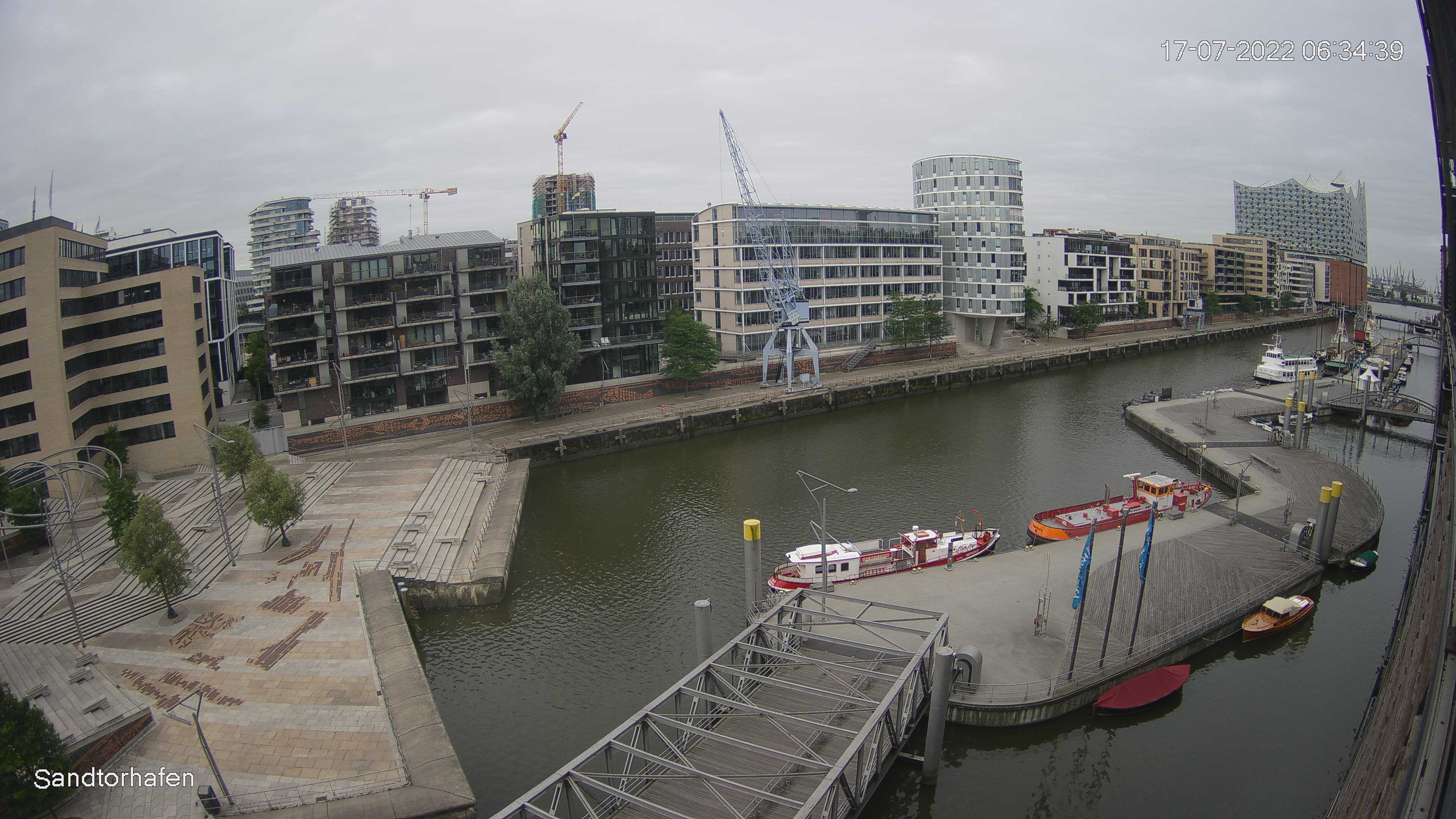 Hamburg Wed. 06:35