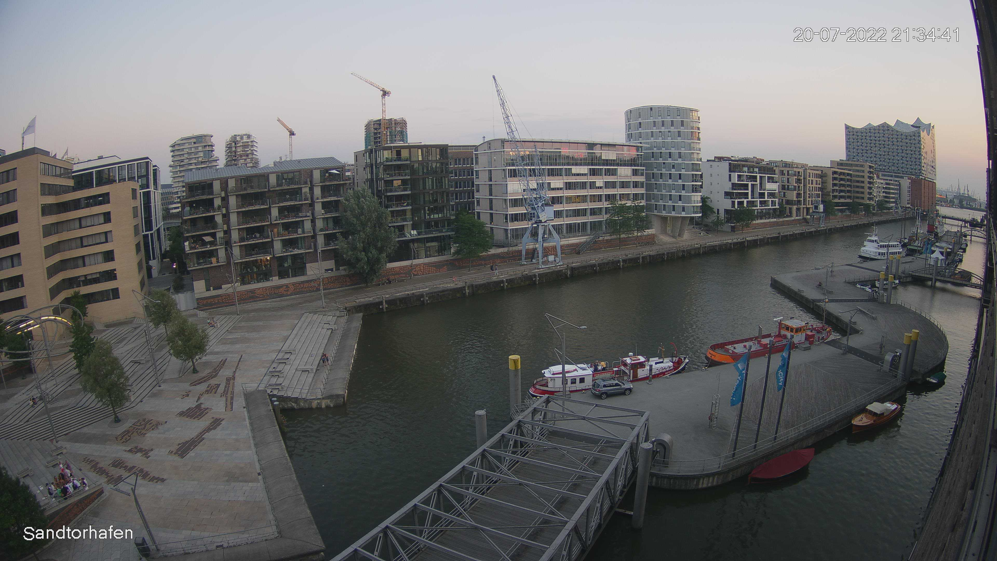 Hamburg Wed. 21:35