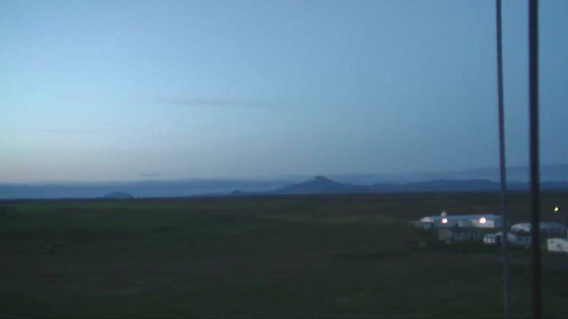 Hekla Sun. 23:04