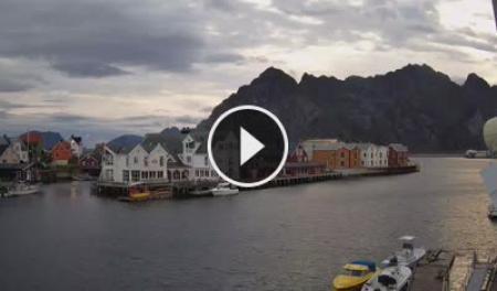 Henningsvær Mi. 03:57
