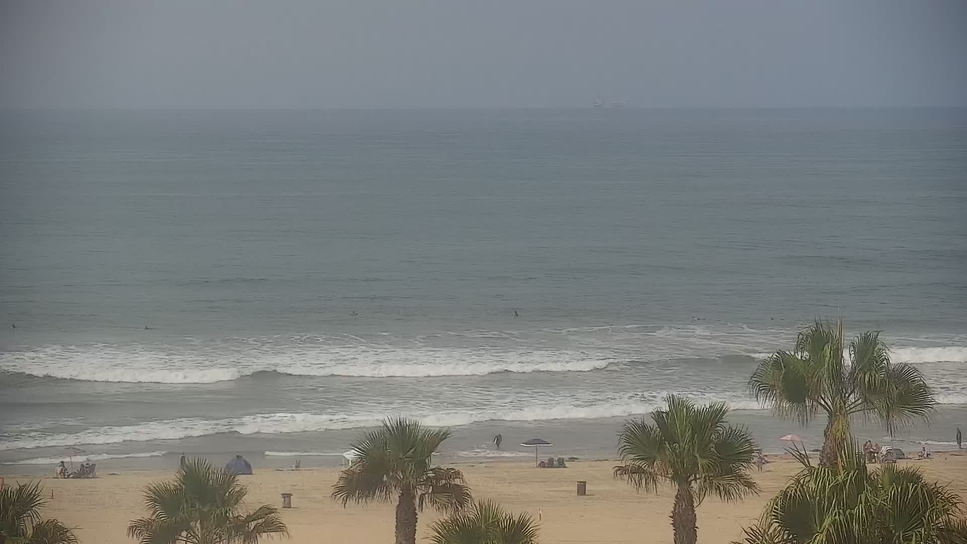 Huntington Beach Live Earth Webcams