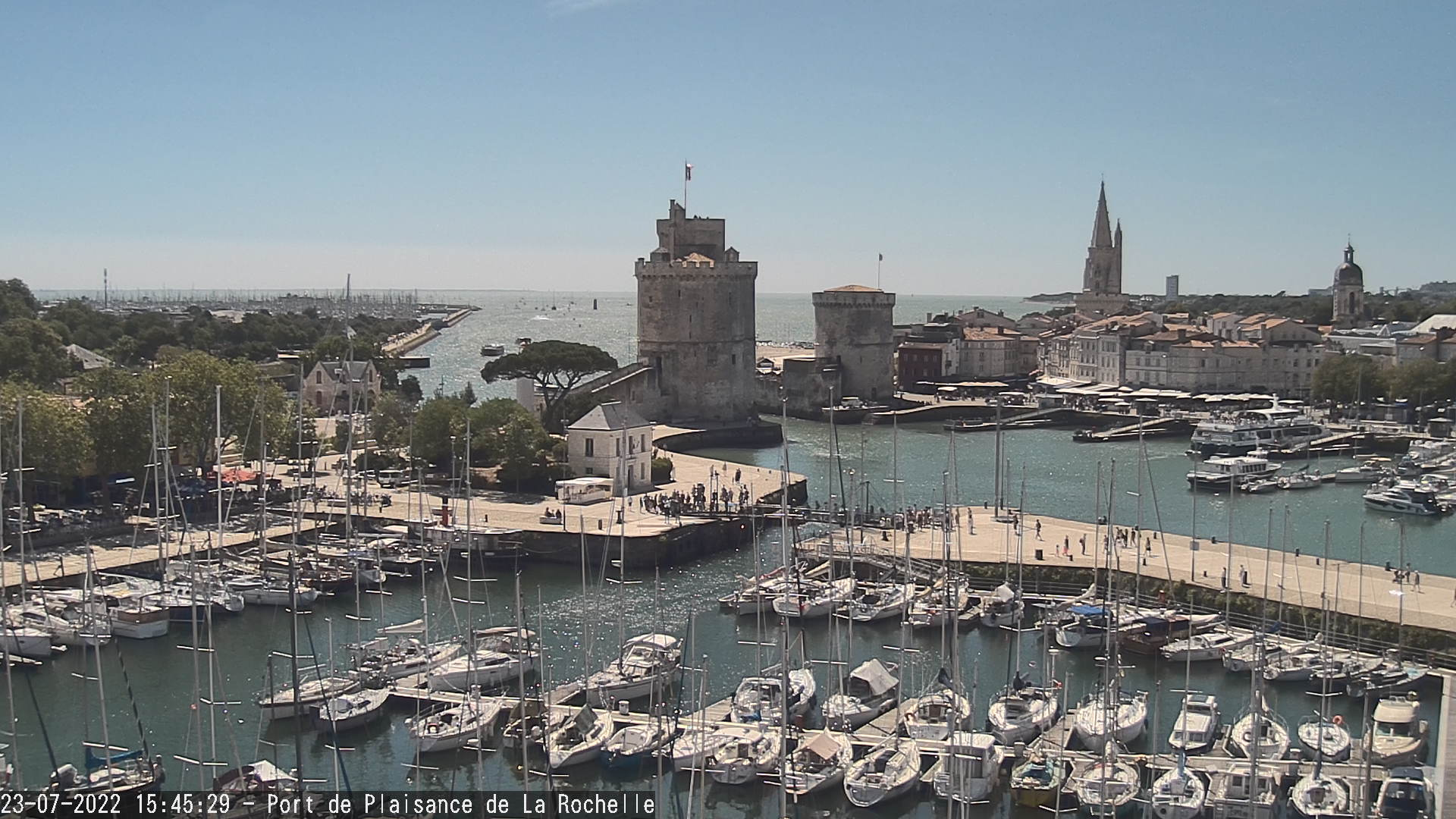 live webcam la rochelle le port des minimes. Black Bedroom Furniture Sets. Home Design Ideas