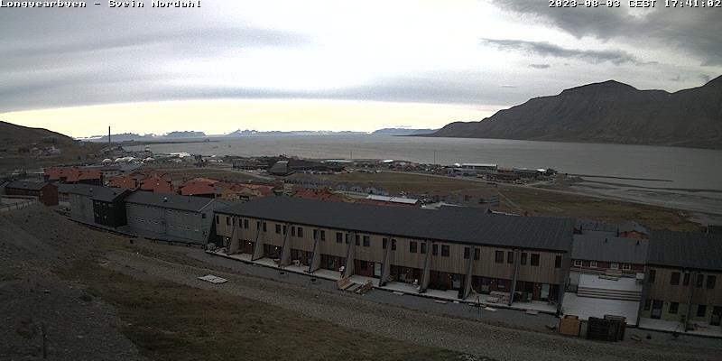 Longyearbyen (Spitsbergen) Fri. 17:54