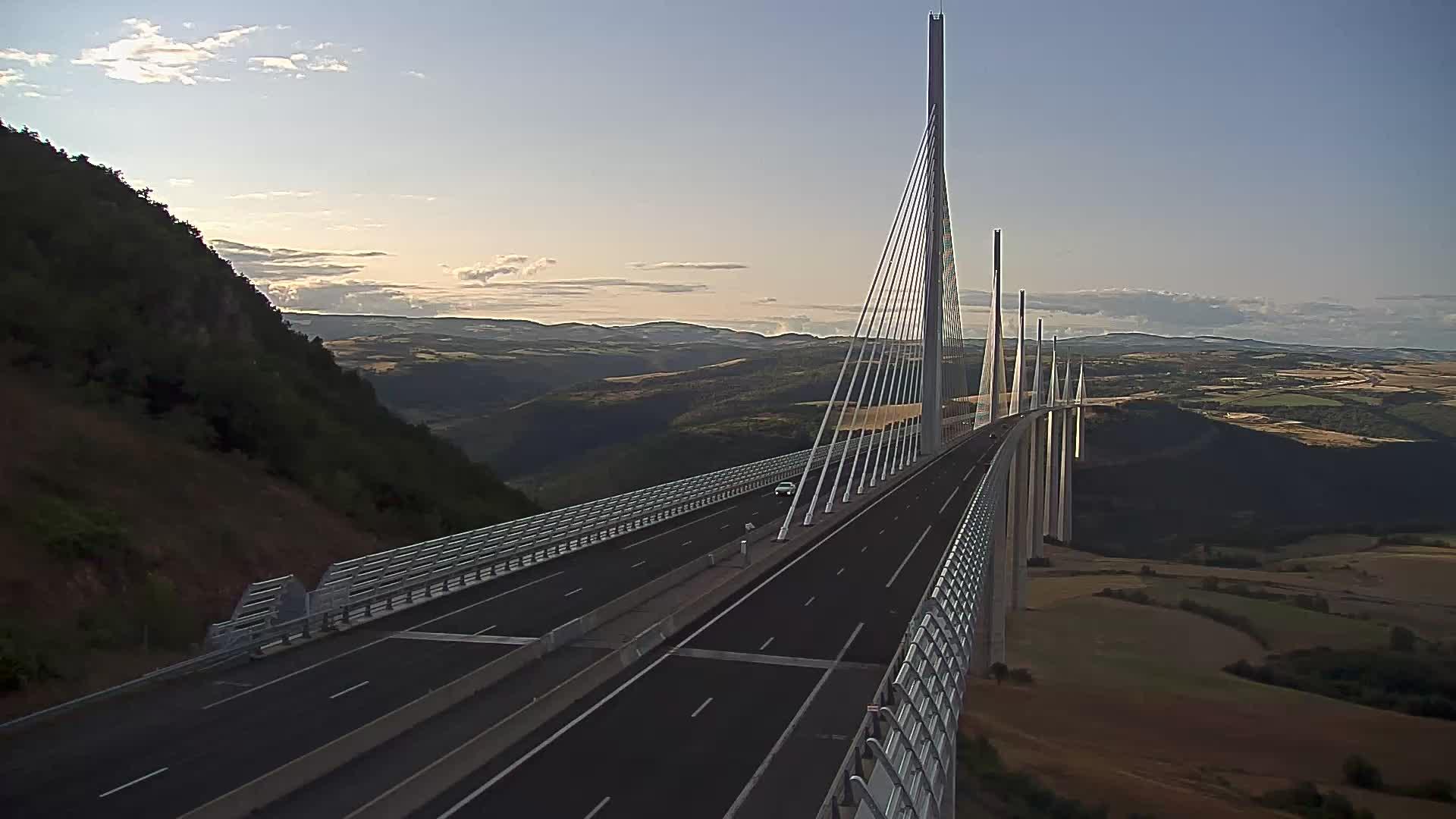 Millau Viaduct Tue. 19:47