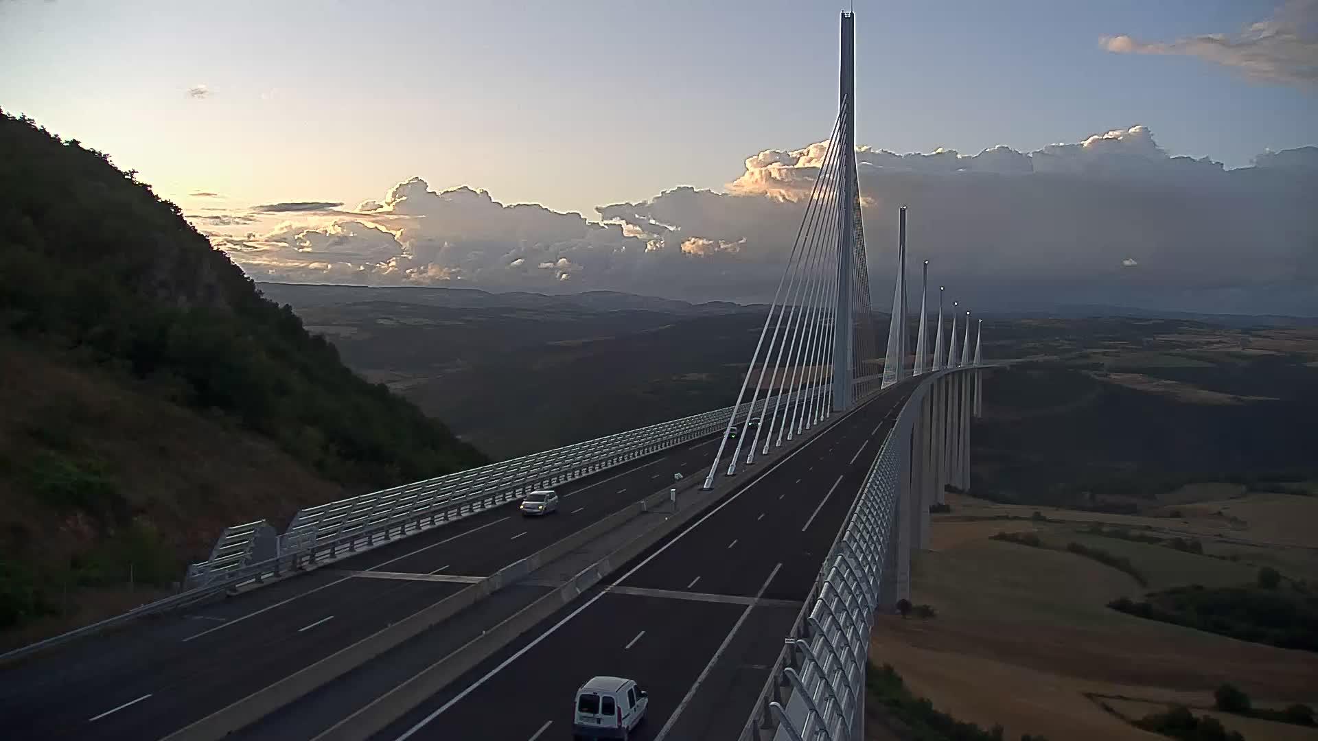 Millau Viaduct Tue. 20:47