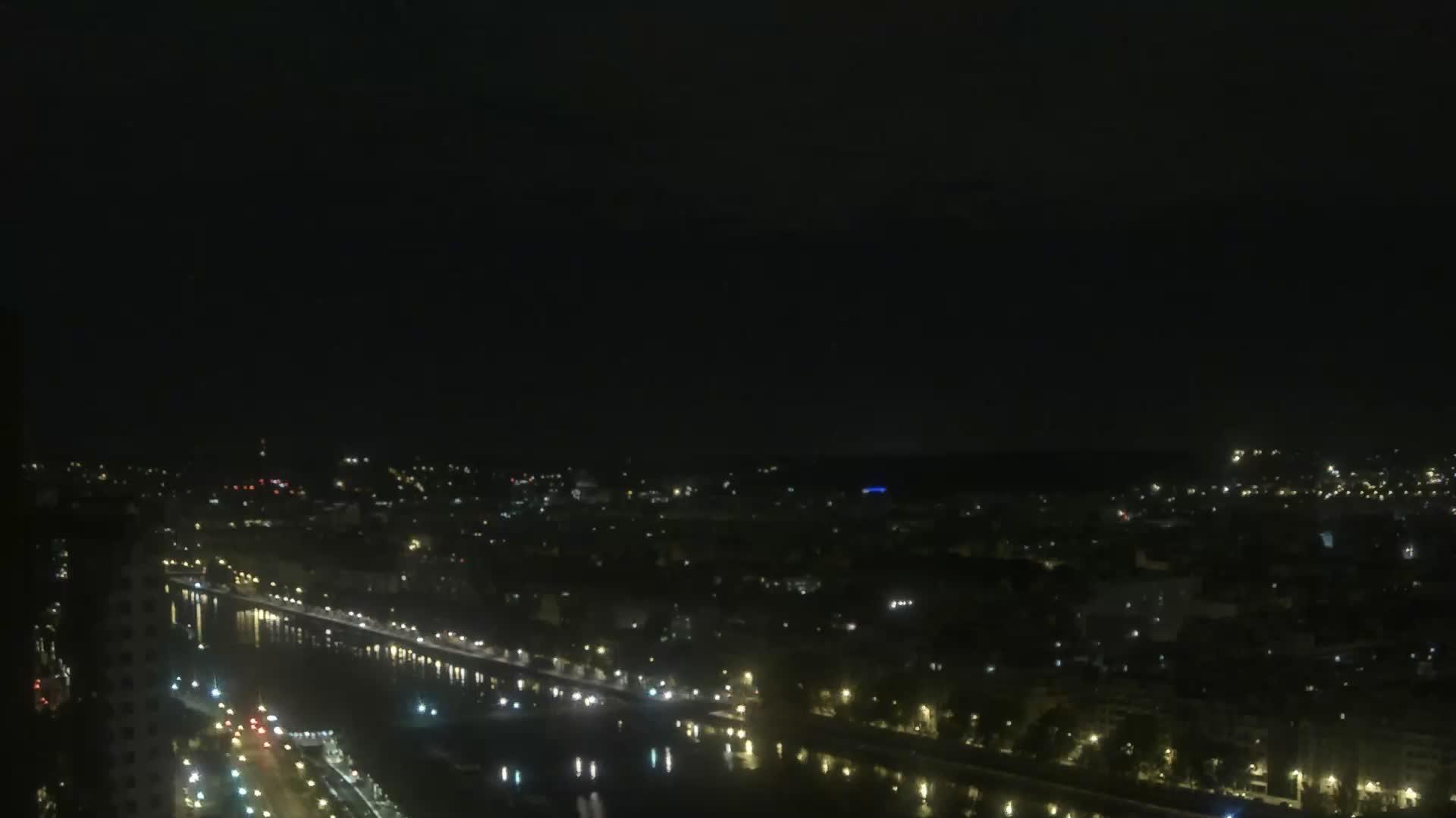 Parigi Ven. 01:24
