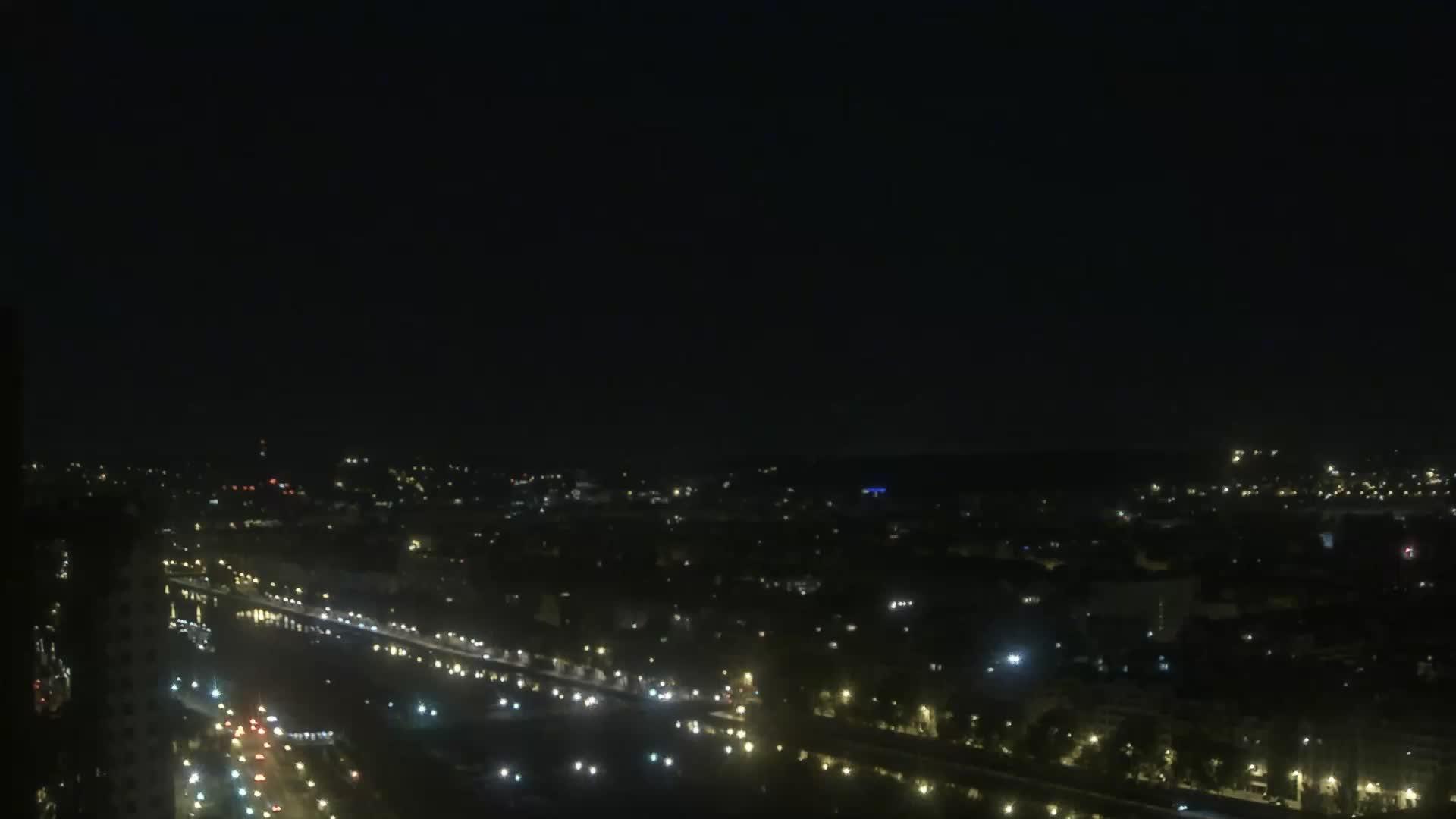 Parigi Ven. 02:24