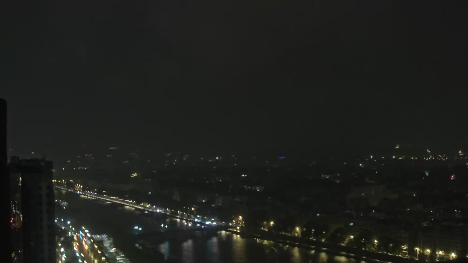 Parigi Gio. 04:24