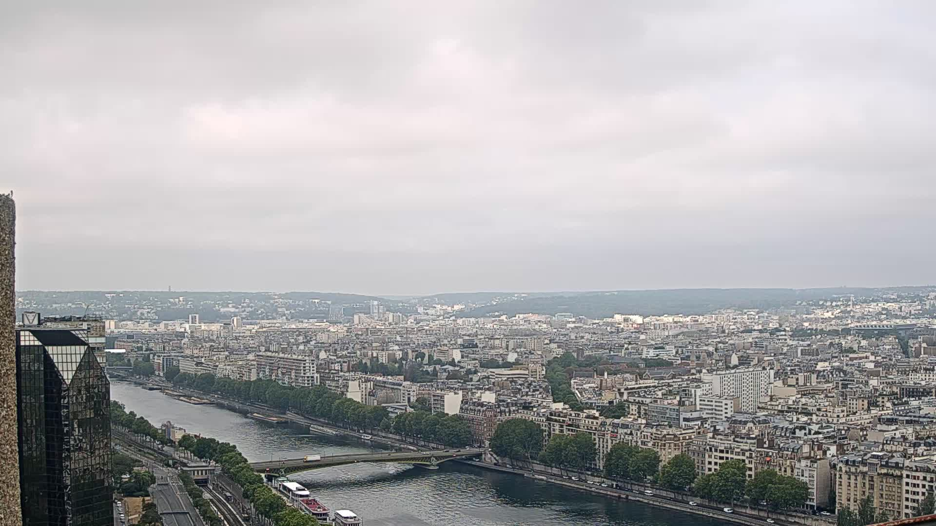 Parigi Gio. 10:24
