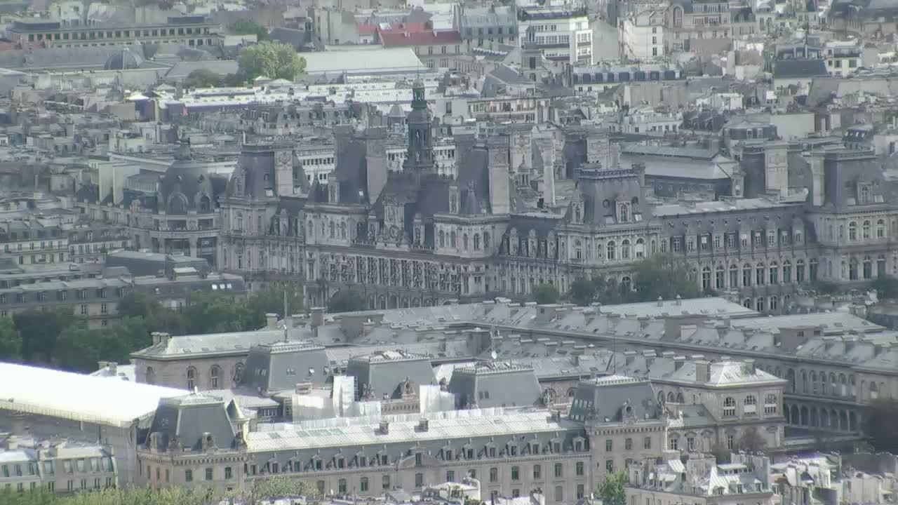 Femeia care cauta camera de camera Paris)