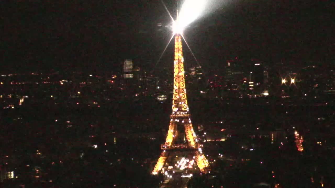 Paris Mon. 01:10
