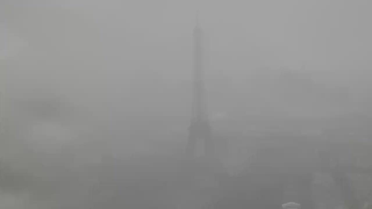Paris Mon. 12:10