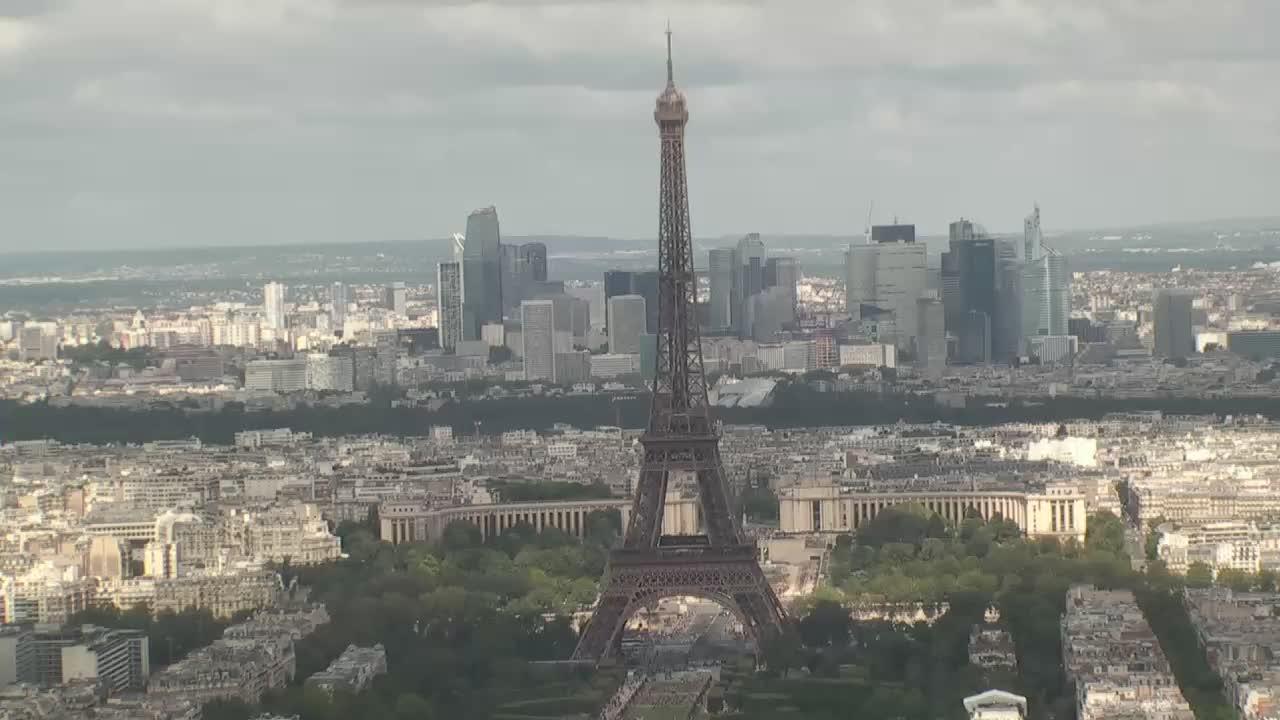 Paris Mon. 13:10