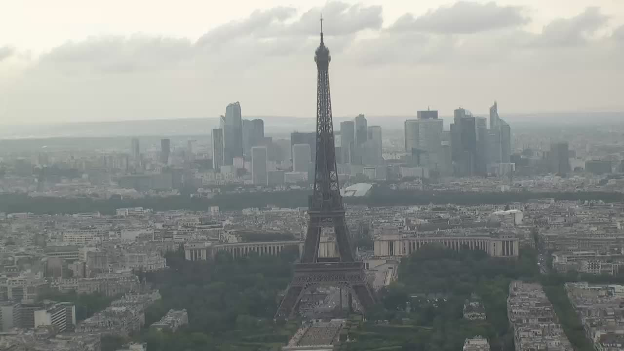 Paris Mon. 14:10
