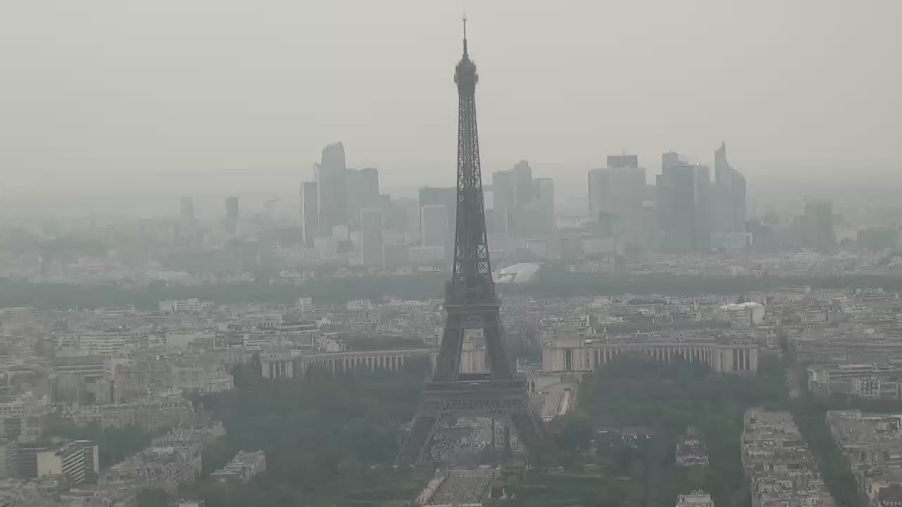 Paris Sun. 18:10